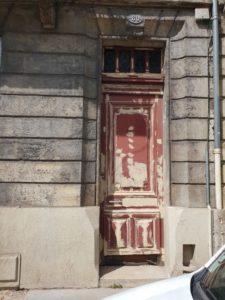 peinture porte bordeaux
